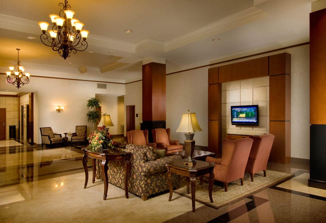 Drury Inn & Suites Near Forest Park - Lobby