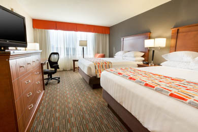 Drury Inn & Suites St. Louis Creve Coeur - Deluxe Queen Room