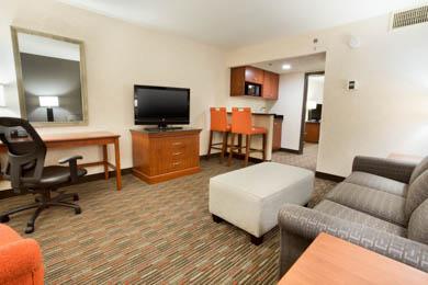 Drury Inn & Suites St. Louis Creve Coeur - Suite