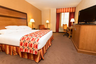 Drury Inn & Suites Happy Valley - Deluxe King Room