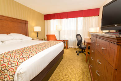 Drury Inn & Suites Northwest Atlanta - Deluxe King Room