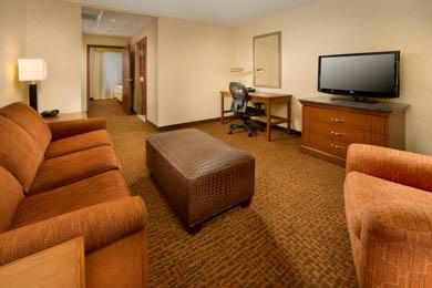 Drury Inn & Suites Valdosta - Suite