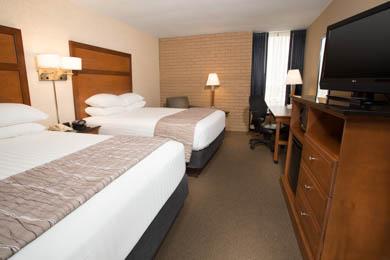 Drury Inn Suites Champaign Deluxe Queen Room