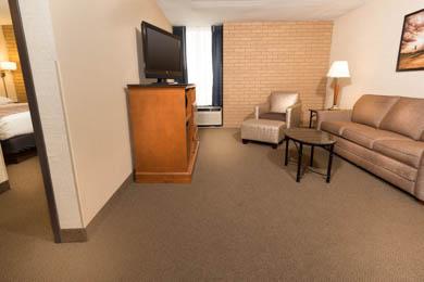 Drury Inn & Suites Champaign - Suite
