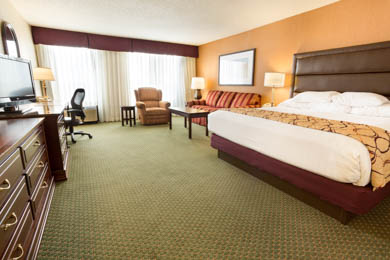 Drury Inn & Suites East Evansville - Oversized Deluxe King