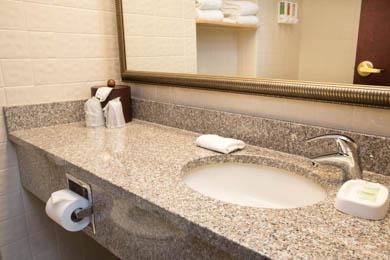 Drury Inn Indianapolis - Guest Bathroom