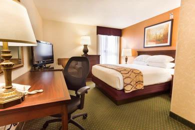 Drury Inn & Suites Terre Haute - Deluxe Double Room