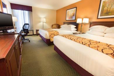 Drury Inn & Suites Terre Haute - Deluxe Queen Room