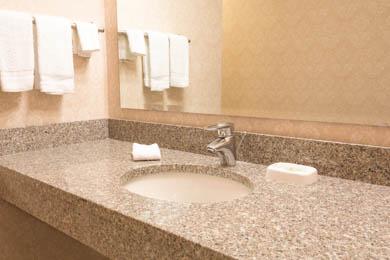Drury Inn & Suites Northeast Indianapolis - Guest Bathroom