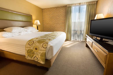 Drury Inn & Suites Paducah - King Suite