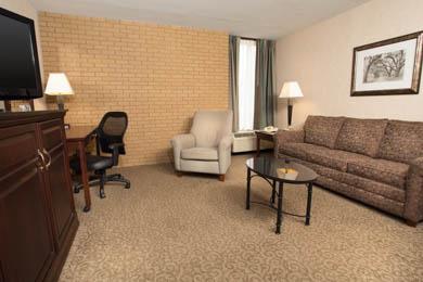 Drury Inn & Suites Louisville - Suite