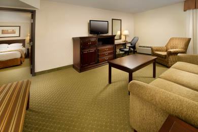 Drury Inn & Suites Westport St. Louis - Suite