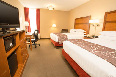 Drury Inn & Suites Springfield - Deluxe Queen Room