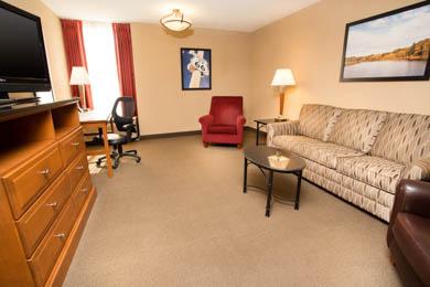 Drury Inn & Suites Springfield - Suite
