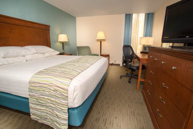 Drury Inn & Suites Cape Girardeau - Deluxe King Room