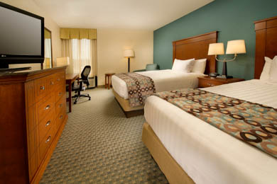 Drury Inn & Suites St. Louis St. Peters - Deluxe Queen Room