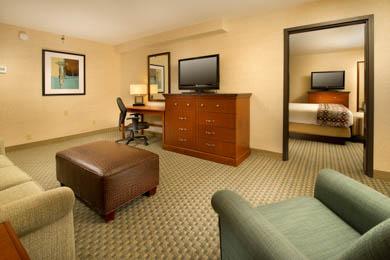 Drury Inn & Suites St. Louis St. Peters - Suite