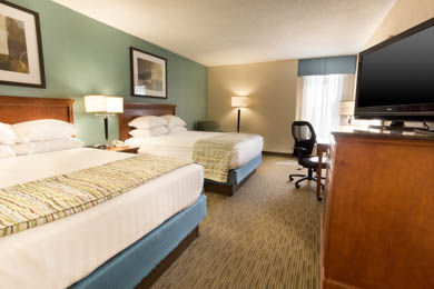 Drury Inn & Suites Southwest St. Louis - Deluxe Queen Room