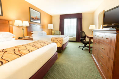 Drury Inn & Suites St. Louis near Forest Park - Deluxe Queen Room
