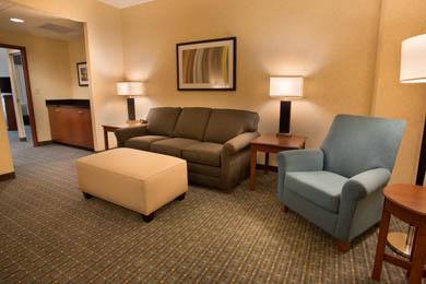 Drury Inn & Suites St. Louis Brentwood - Suite