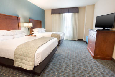 Drury Inn & Suites St. Louis Brentwood - Queen Suite