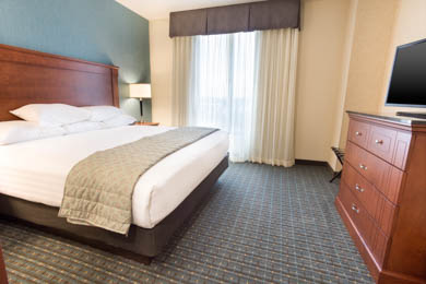 Drury Inn & Suites St. Louis Brentwood - King Suite