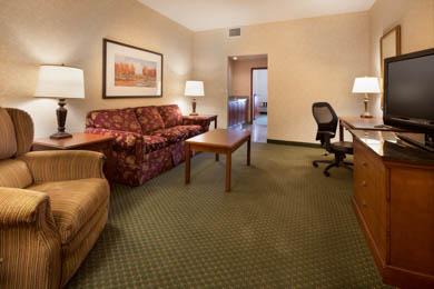 Drury Inn & Suites Meridian - Suite