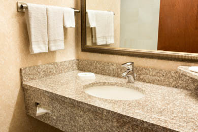 Drury Inn & Suites Northlake - Guest Bathroom
