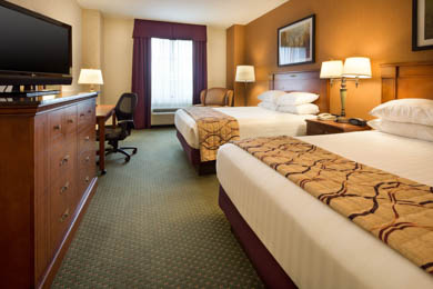 Drury Inn & Suites Findlay - Deluxe Queen Room