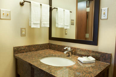 Pear Tree Inn Airport San Antonio - Guest Bathroom