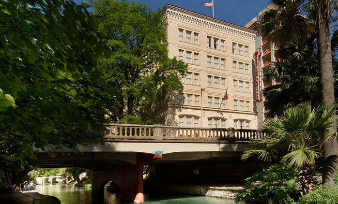 Drury Inn & Suites Riverwalk San Antonio - Hotel Exterior