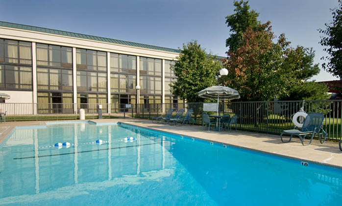 Pear Tree Inn Cape Girardeau Near The Medical Center Swimming Pool