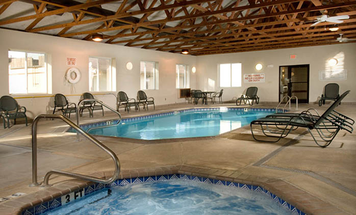 Drury Inn & Suites Hayti/Caruthersville - Indoor Pool