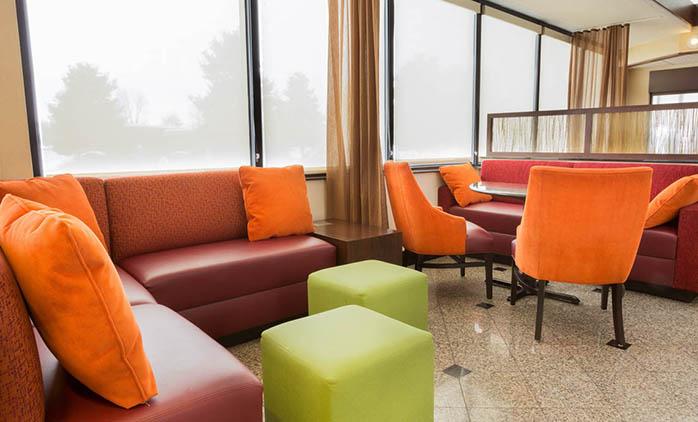 Drury Inn & Suites East Evansville - Lobby