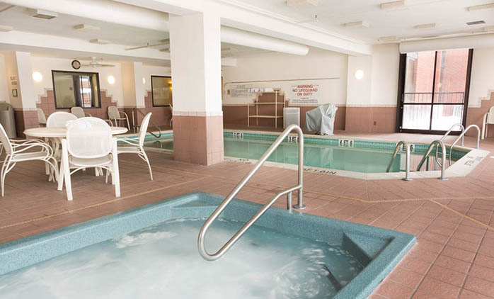 Drury Inn & Suites East Evansville - Indoor Pool