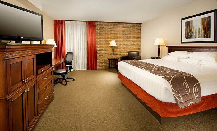 Drury Inn Shawnee Mission - Deluxe King Room