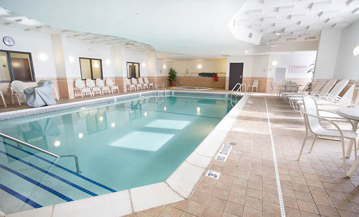 Drury Inn & Suites Detroit Troy - Swimming Pool