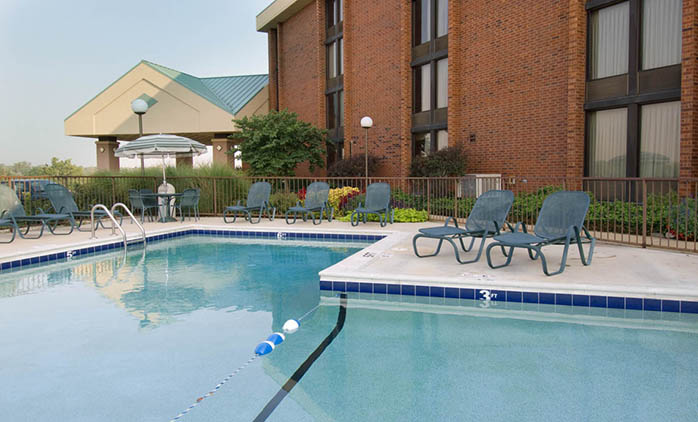 Pear Tree Inn Arnold - Outdoor Pool