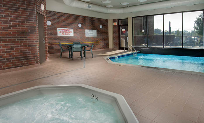 Drury Inn Poplar Bluff - Indoor/Outdoor Pool