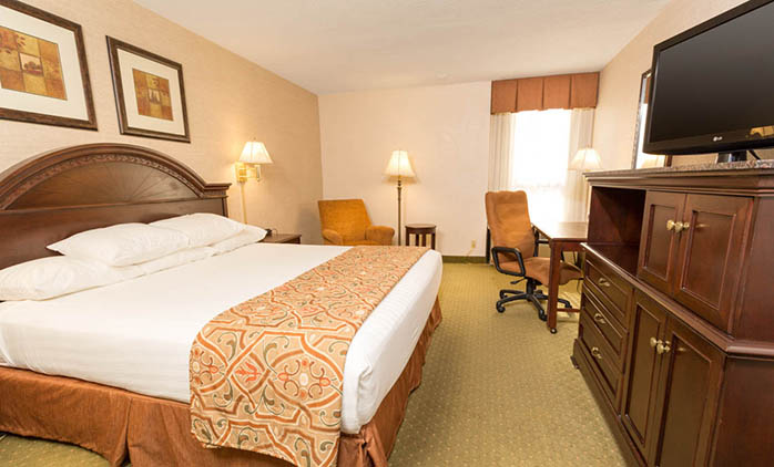 Drury Inn & Suites Indianapolis - Deluxe King Room