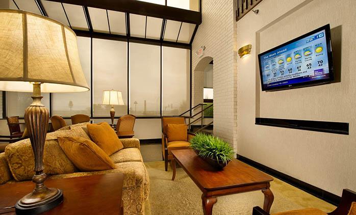 Drury Inn Collinsville - Lobby