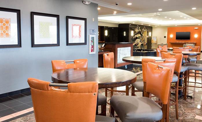 Drury Inn & Suites St. Louis Creve Coeur - Lobby