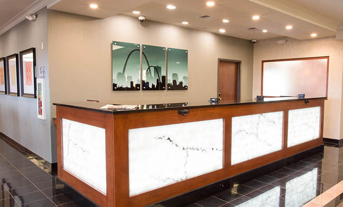 Drury Inn & Suites St. Louis Creve Coeur - Front Desk