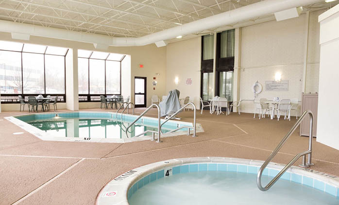 Drury Inn Airport St. Louis - Indoor Pool