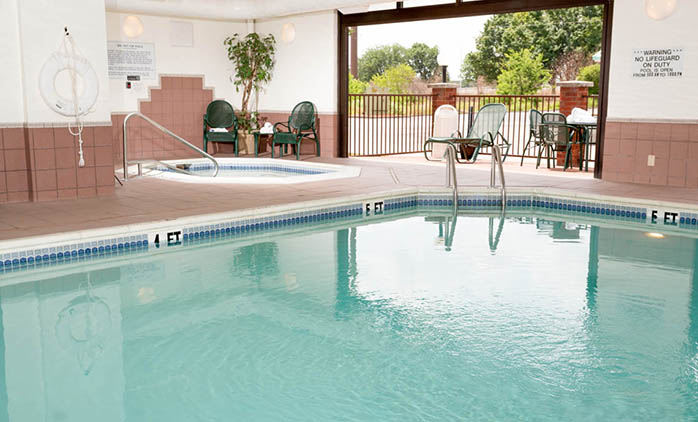 Drury Inn Bowling Green - Indoor/Outdoor Pool