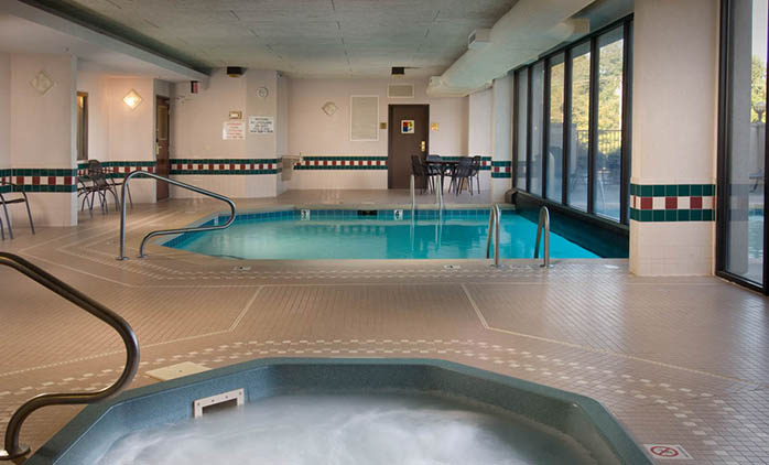 Drury Inn & Suites Springfield - Indoor/Outdoor Pool