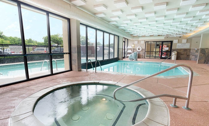 Drury Inn & Suites Atlanta Airport - Swimming Pool
