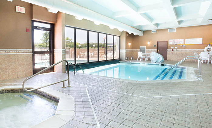 Drury Inn Suites Birmingham Lakeshore Drive Drury Hotels: university of birmingham swimming pool