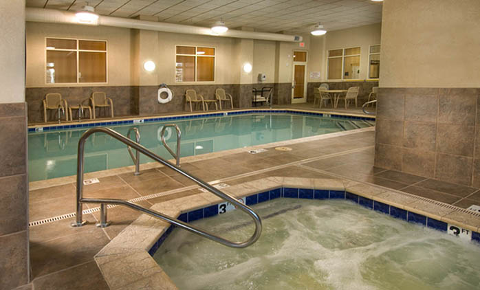 Drury Inn & Suites Flagstaff - Swimming Pool