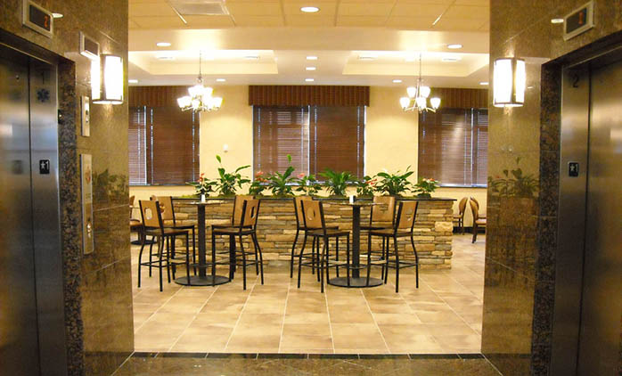 Drury Inn & Suites Happy Valley - Dining Area